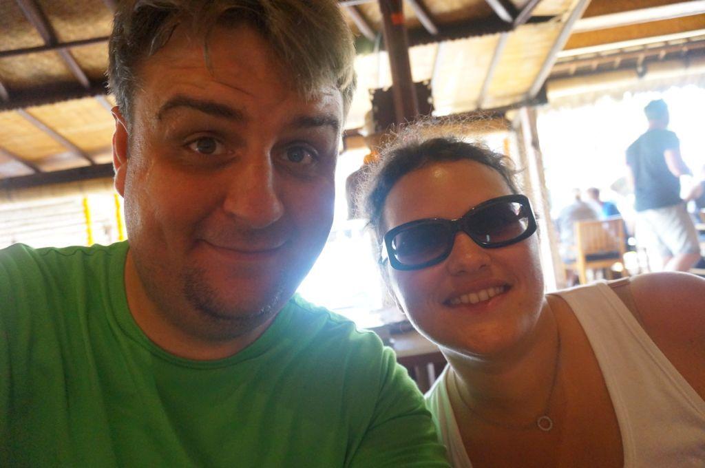 Un selfie au bar en plein ubud ou Bea a pu gouter le vrai ice tea artisanal (gingenbre, lemongrass et miel)