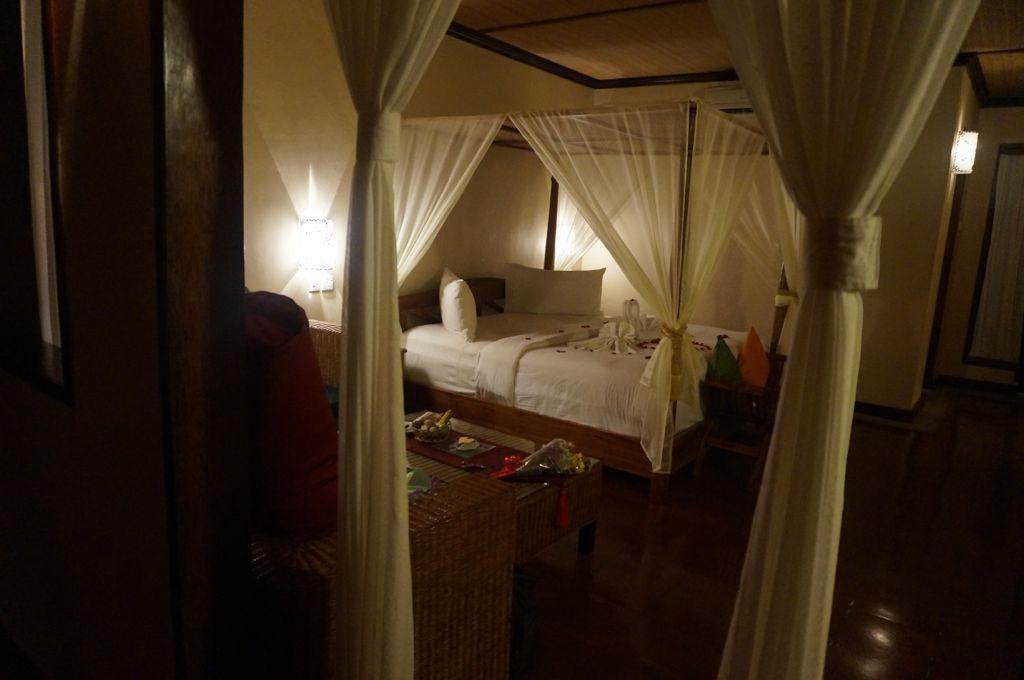 Le lit vue de la première pièce