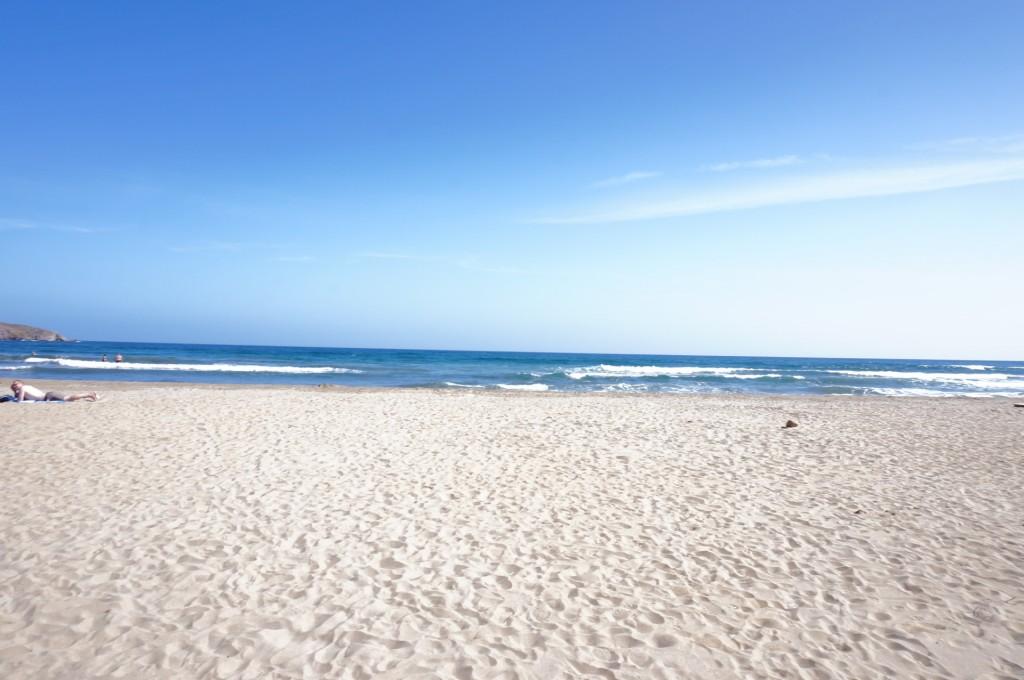 Cabo De Gata - Après 10 minutes de petites routes, nous voici sur une petite plage pleine de charme